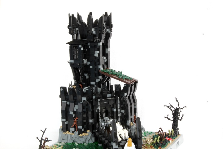 Tol-in-Gaurhoth, castle2